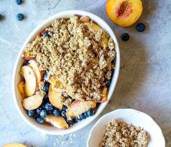 peach blueberry crisp with crumble topping unbaked
