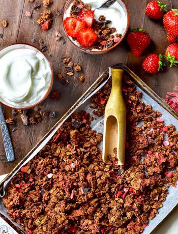 Love crunch granola with strawberriesra